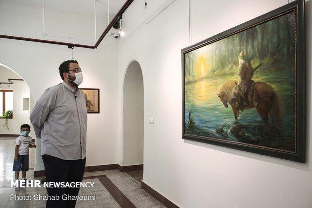محمد مهدی دادمان رئیس حوزه هنری در نمایشگاه نقاشی «همپای نور»