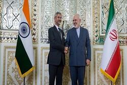 وزیر خارجه هندوستان وارد تهران شد/ دیدار با «ظریف» در دستور کار