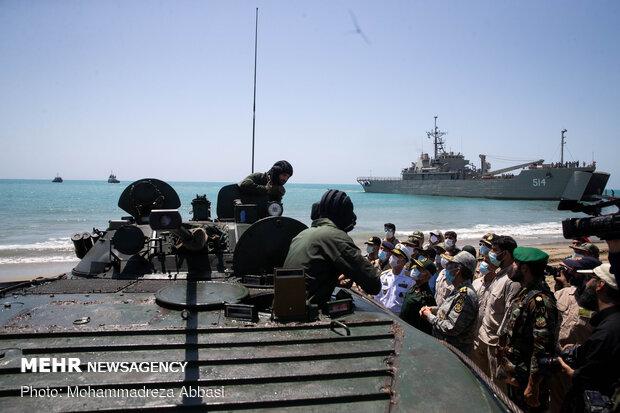 """الجيش الایراني يبدأ المرحلة الرئيسية لمناورة """"ذوالفقار 99"""" الكبرى"""