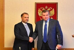 Iran, Russia discuss bilateral ties, regional issues