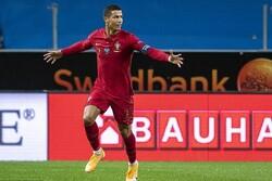 Cristiano Ronaldo, İranlı futbolcunun rekoruna yaklaştı