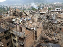 خسارتدیدگان زلزله گلستان و فارس به زندگی عادی بازمیگردند
