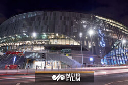 تور گردشگری بازیکنان تاتنهام روی سقف استادیوم وایت هارت لاین