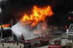 آتشسوزی گسترده در بندر بیروت