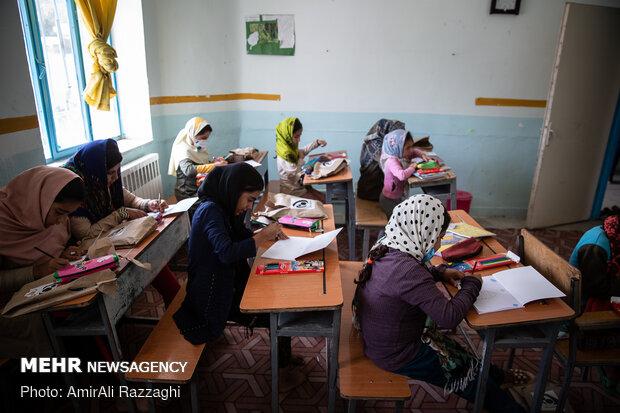 توزیع ۵۰ هزار تبلت میان دانش آموزان کمیته امداد