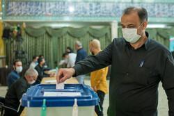 İran'da 2. tur milletvekili seçimleri başladı
