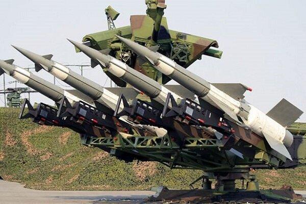 Suriye hava savunması Halep'i hedef alan füzelere karşılık verdi