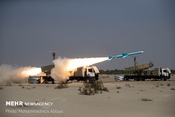 """""""Ghader"""" missile fired successfully in Zolfaghar-99 war game"""