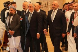 Afganistan müzakere heyeti Katar'a gitti