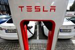 باگ تسلا در شارژ رایگان خودروهای رقیب