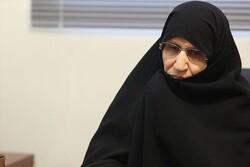 كريمة الإمام الخميني: تحذر من تداعيات التطبيع مع الاحتلال الصهيوني