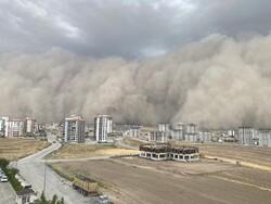 ترکی میں مٹی کے طوفان نے دن کو رات بدل دیا