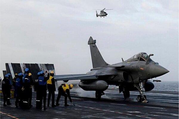 یونان از فرانسه جنگنده رافائل خریداری می کند