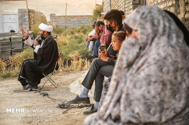 حجت الاسلام جلیل محمدی در حال خواندن روضه حضرت علی اصغر(ع)