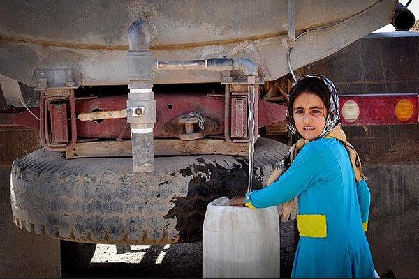 اعزام تانکرهای سایر استانها به خوزستان/ توزیع ۴۰۰ هزار لیتر آب