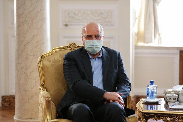 رئيس البرلمان الإيراني يعزي بوفاة أمير الكويت