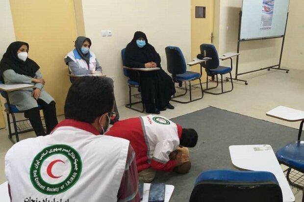 آموزش ویژه و فراگیر کمکهای اولیه در استان بوشهر گسترش مییابد