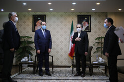 Al-Maliki holding talks with Velayati in Tehran