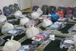 ۲۰۰ بسته لوازمالتحریر بین مددجویان کمیته امداد مهدیشهر توزیع شد