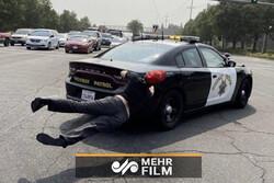حمله خودروی پلیس به معترضان ترامپ در کالیفرنیا