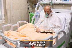 لحظاتی از راز و نیاز حجتالاسلام انصاریان در بیمارستان