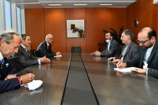 غروسی یصف  التعاون بين ايران والوكالة الدولية للطاقة الذرية بالإيجابي