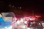 ترافیک سنگین در آزادراه کرج - قزوین/ بارش برف در محور چالوس