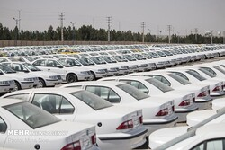 عرضه ماهانه ۲۵ هزار خودرو در قالب فروش فوقالعاده اینترنتی