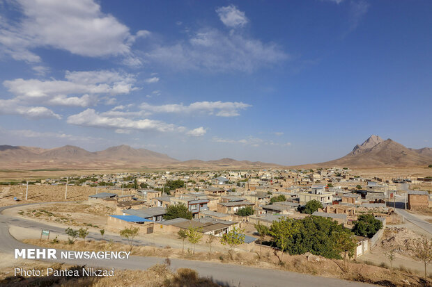 نمایی روستا از تپه نورالشهدا