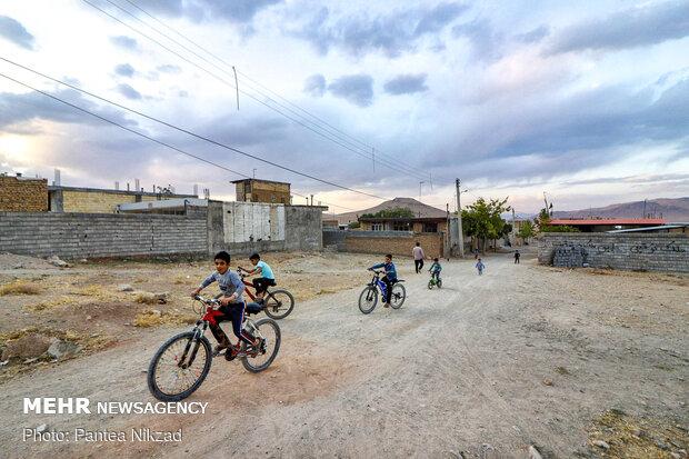 زمین های روستا که تا کنون ساخته شده اند به عنوان منابع ملی اسنادشان تعییر پیدا کرده است