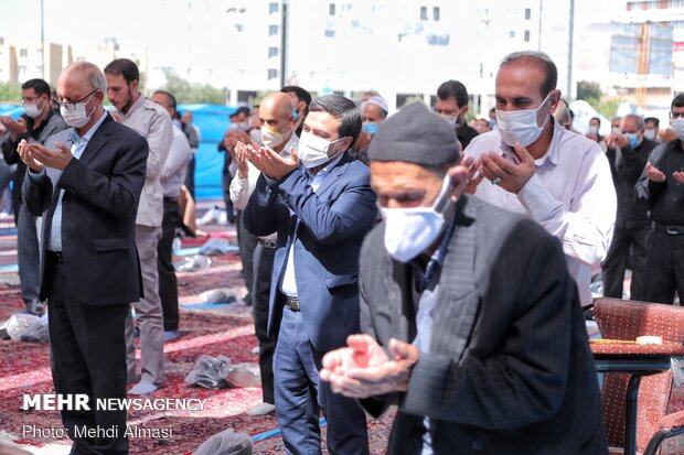 Friday Prayer in Zanjan with health protocols in place
