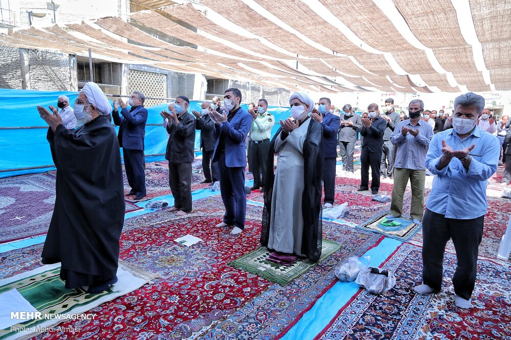 Friday Prayer held in Zanjan with health protocols in place