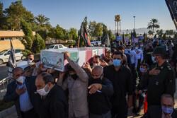 شیراز میں دفاع مقدس کی دو شہیدوں کی تشییع جنازہ