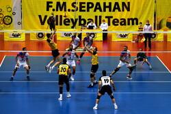 فدراسیون والیبال به تبعیت از دولت مسابقات را پیش برد
