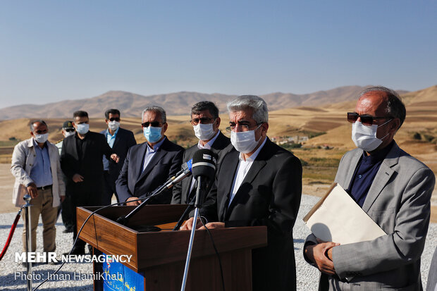 Energy minister in Hamedan to inaugurate several projects