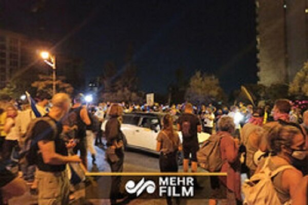 VIDEO: Anti-PM protests continue in occupied territories