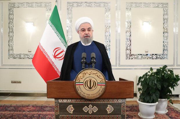 Ruhani:  ABD bize ne müzakere dayatabilir ne de savaş