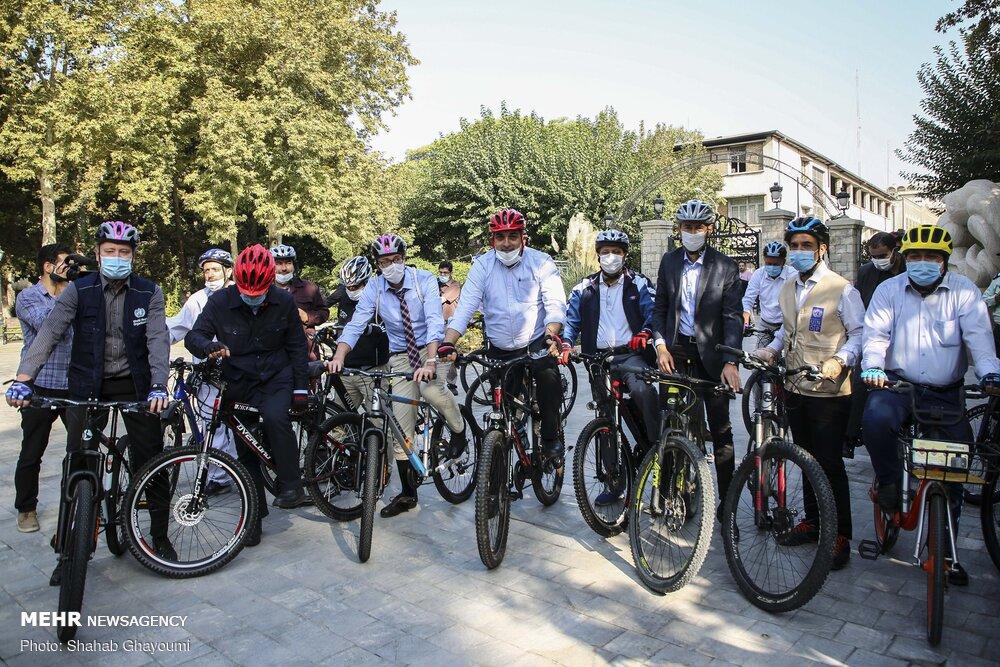 تمبر اختصاصی «شهردار دوچرخه سوار» رونمایی شد