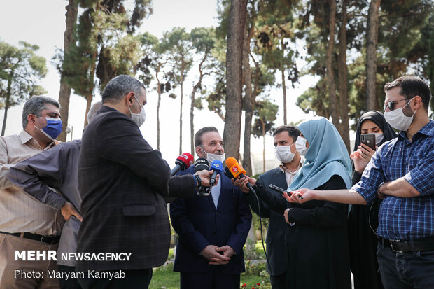 حاشیه Sidelines of Cabinet meeting on Wed.هیات دولت