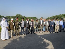 پاکستان میں تعینات 24 ممالک کے سفیروں اور اتاشیوں کا ایل او سی کا دورہ