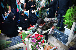 اصفہان میں گلزار شہداء سے غبار صاف کرنے کی تقریب منعقد ہوئی