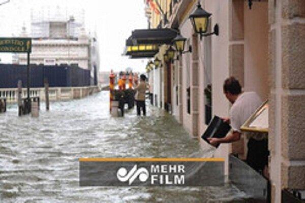 VIDEO: Flood engulfs Italian capital Rome