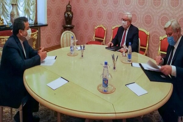 Iran, Russia stress US moves in reinstating sanctions illegal