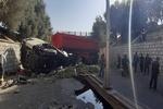 سقوط تریلر از پل ورودی شهرک صنعتی یزد حادثهساز شد