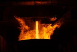 تصمیماتی که کارکرد بورس را نقض میکند / لزوم عرضه تمام تولیدات زنجیره فولاد در بورس