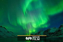 زیبایی شفق قطبی در منطقه لاپلند در شمال فنلاند