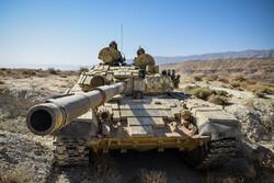 İran'ın Fars eyaletinde askeri tatbikat yapıldı