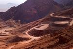 بهرهبرداری از معدن درزه زرشک به معما تبدیل شده است/ حفاری در حریم میراث ۷ هزار ساله