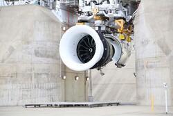 بزرگترین موتور جت جهان مجوز پرواز گرفت