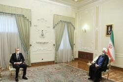 روحانی یعرب عن أمله في تطویر العلاقات بین ایران واسبانیا دون أن تتأثر بالحظر الامیرکي